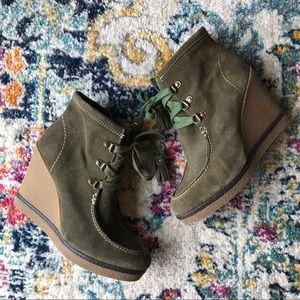 MIA | Hazel Green Suede Tassel Wedge Booties